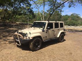 Jeep Rubicon Unlimited - Color Crema - Excelente Estado