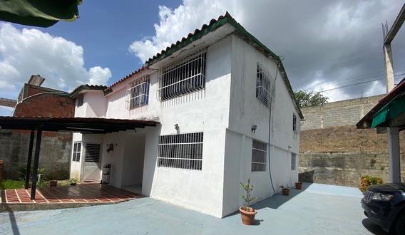 Casa Amplia En Venta Urbanización Villa Hermosa Guatire-