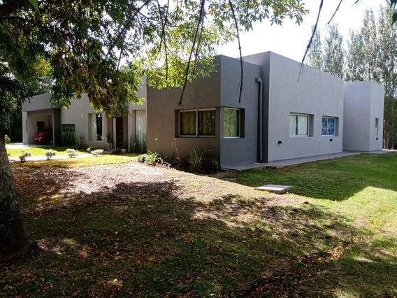 Casa Venta 4 Dormitorios, 2 Baños Y Terreno 1,617 Mts 2 -220 Mts 2 Cubiertos- Grand Bell