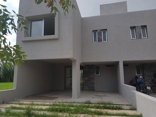 Casa En Venta A Estrenar Chacras Del Norte