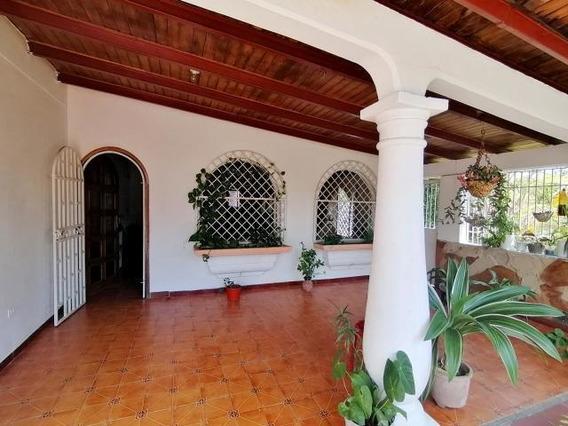 Casa En Venta El Recreo Cabudare 20-2729 Rr