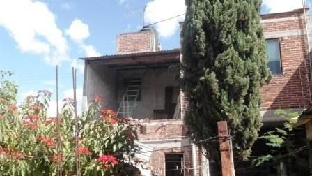 Casa De 2 Niveles En La Col. Francisco I Madero