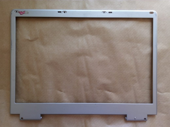 Moldura Da Tela Notebook Itautec W7645