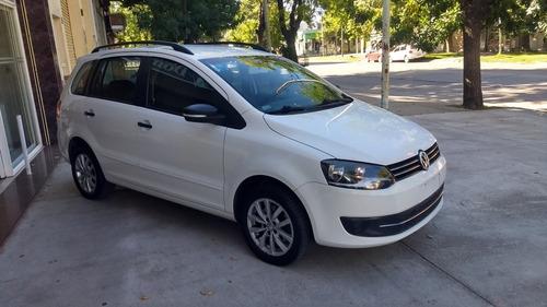 Imagen 1 de 8 de Volkswagen Suran 1.6 Trendline 11b 2014