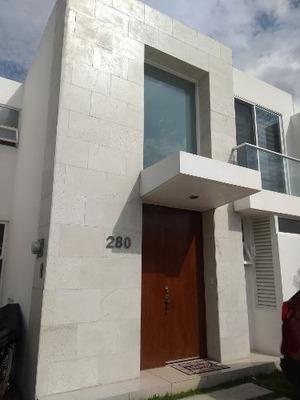 Renta De Casa En Lomas De Angelópolis 3, Cascatta, Puebla