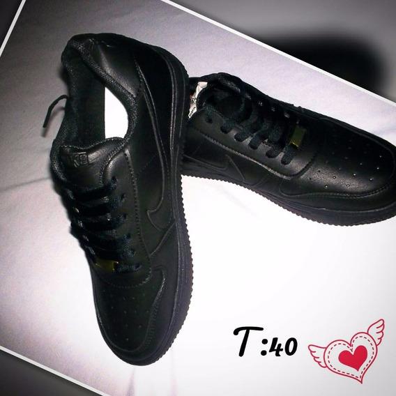 Zapatos Deportivos De Caballero Único Par40. Nik, Negociable