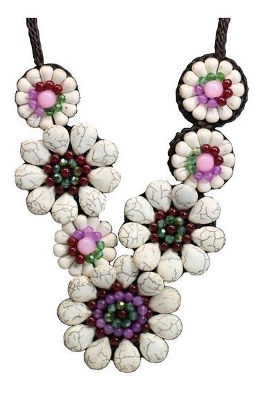 Colar Feminino Flores Pedra Jade + Pedra Howlita + Cristais