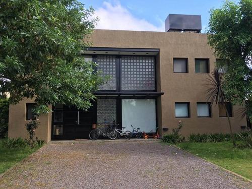 Imperdible!!!. Casa A La Venta 4 Ambientes En Barrio Los Sauces. Pilar