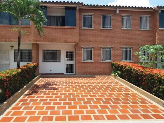 Townhouse En Venta En Guatire Buenaventura 20-17846 Fn