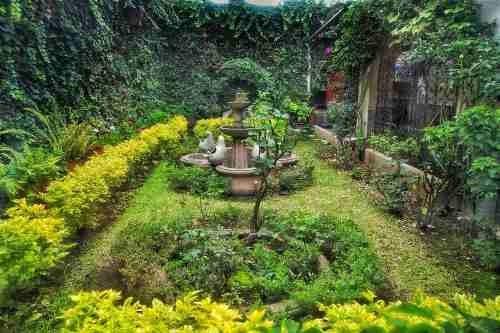 Excelente Terreno En Esquina Con Amplia Casa En La Mejor Zona De La Colonia Escandon