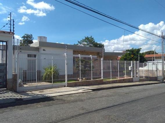 Casa En Venta Zona Este Barquisimeto Lara 20-175