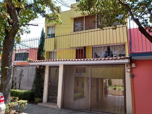 Casa En Venta En Floresta Coyoacan.