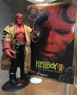 Hot Toys Hellboy Nuevo Cerrado Nunca Expuesto