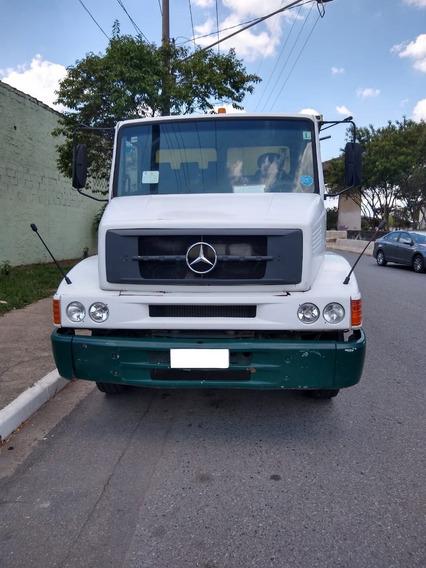 Caminhão Basculante Mercedes Benz 1318 2011/2012