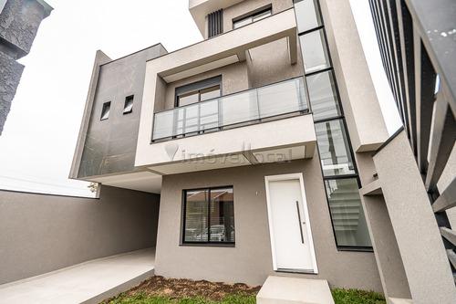 Sobrado Em Condomínio Com 3 Dormitórios À Venda Com 242.6m² Por R$ 815.000,00 No Bairro Uberaba - Curitiba / Pr - So00198