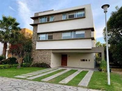 Hermosa Residencia En Renta Amueblada En Zapopan En Coto