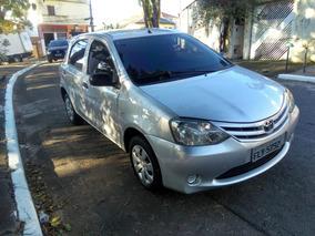 Toyota Etios X 1.3 Flex 2013