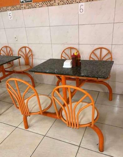 Imagem 1 de 3 de Vendo Balcão Completo Com Estufa E 8 Mesas