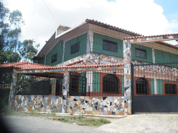 Disponible Casa En Venta El Junquito Rah: 13-4919