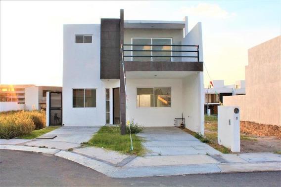 Casa En Venta En El Roble # 20-11 Jl