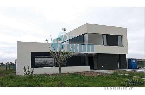 Barrio Cerrado El Canton - Norte - Casa Venta Usd 280.000