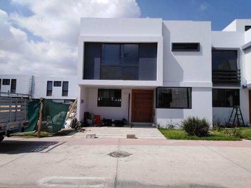 Hermosa Residencia En Renta En Solares A Estrenar Con Roof Garden 4 Habitaciones