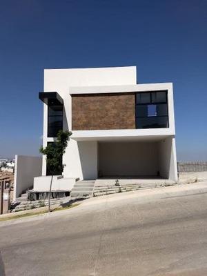 Casa En Venta En Monterra, San Luis Potosi