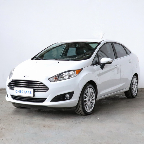 Ford Fiesta Kinetic Design 1.6 Sedan Titaniummt - 35490 - C