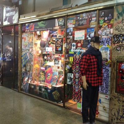 Local En Galería Bond Street. Único Disponible.
