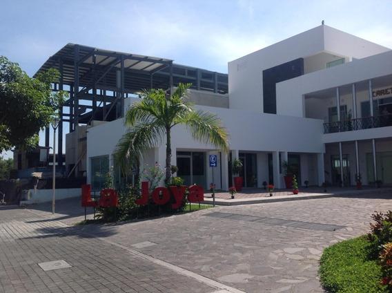 Plaza La Joya, Local 21 En Renta, Tercera Planta.
