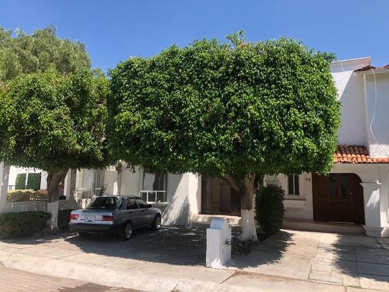 Casa En Renta En Privada Alamos 3ra Queretaro Rcr200715-mg