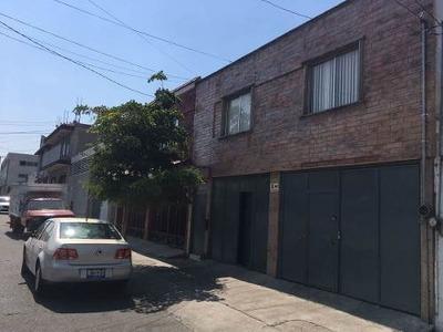 Casa Remodelada Para Uso Habitacional O Mixto Cerca Del Abastos