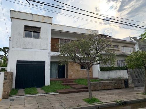 Imagen 1 de 14 de Buratti Venta Casa 5 Ambientes En Vicente López, Madero 1600