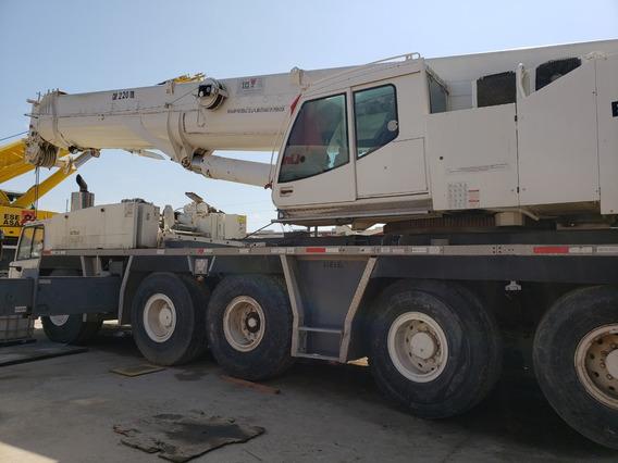 Grua Montada Sobre Camion Tadano 220 Ton 2008
