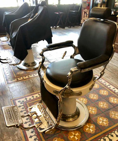 06 Cadeiras De Barbeiro Ferrante (cada R$3.500)