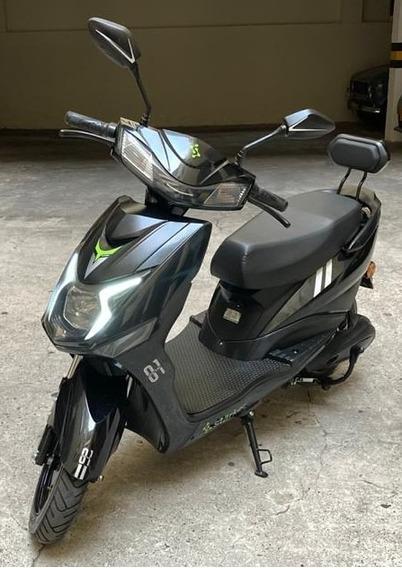 Moto Eléctrica Starker Skuty Led Negra ¡poco Uso! Con Casco