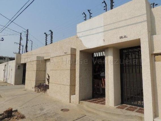 Casas En Alquiler Tierra Negra 20-8599 Andrea Rubio