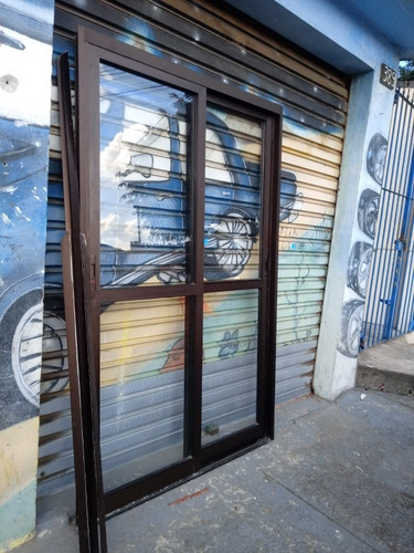 Imagem 1 de 2 de Porta Balcão Semi Novo