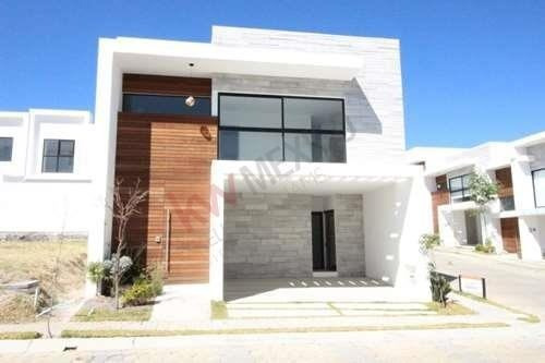 Casa En Venta En Sarana Lomas De Angelópolis