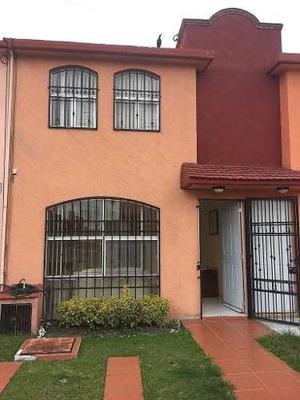 Se Renta Casa Amueblada En Fraccionamiento Villas De Atlixco.