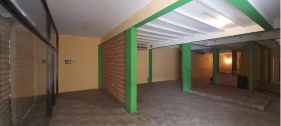 Local En Alquiler En Zona Centro Barquisimeto 20-10023 Nd