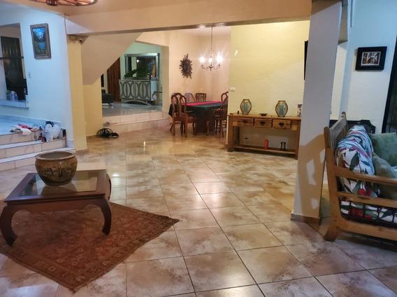 Vendo Hermosa Cabaña En Jarabacoa Id.1743 Us$280,000.00