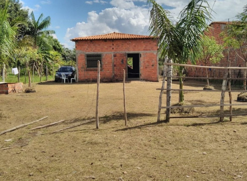 Imagem 1 de 6 de Vendo Um Sítio Localizado Em Bacabeira Tem Dois Quartos Banh