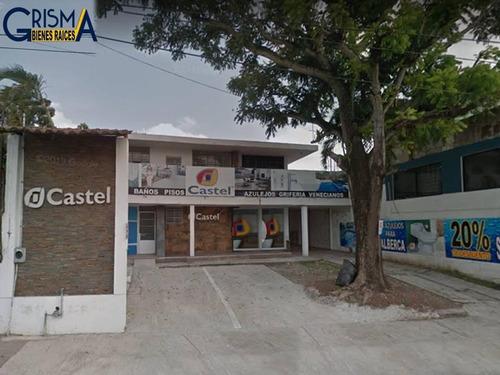 Imagen 1 de 12 de Local - La Rivera
