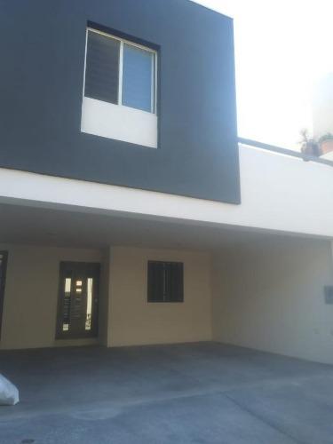 Casa En Renta Puerta De Hierro