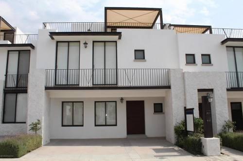 Casa En Venta En Juriquilla, Queretaro, Rah-mx-18-316