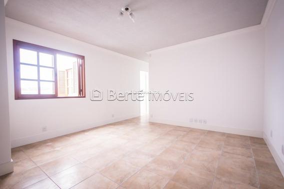 Apartamento Em Cavalhada Com 2 Dormitórios - Bt6795