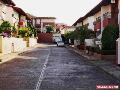 Townhouse En Venta En Conjunto Resd. Colinas Del Paraíso.