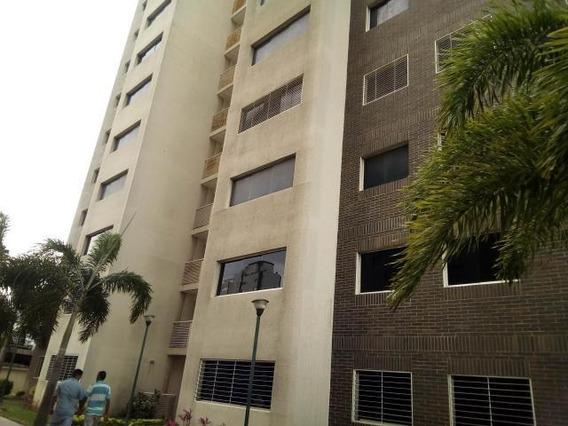 Apartamentos En Venta Oeste Barquisimeto 20-2572 Rg
