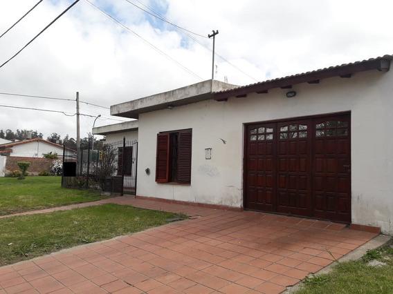 Latorre Prop. Alquila 24 Meses Amplia Casa De 3 Amb Con Garage Y Patio -